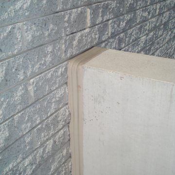 Up, over, and down -- Seismic ColorSeal ensures a continuous seal between a smooth precast parapet and rough CMU block.